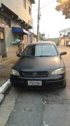 Vendo Astra 2000 4p com kit gás