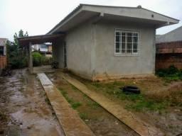 Alugo casa no bairro Paranaguamirim