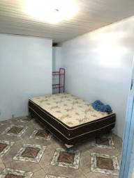 Aluga-se dois cômodos mobiliado no xaxim