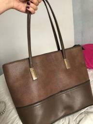Vendo bolsa marrom de couro em perfeito estado