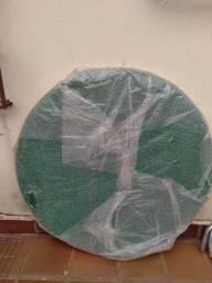 Mesa de Jogos Redonda, medindo 1,30 Mts de diametro embalado em perfeito estado