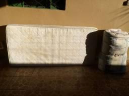 Cama de ferro com colchão