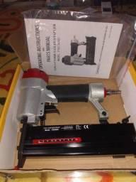 Pinadora e grampeadora pneumática
