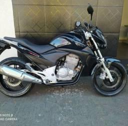 Honda CB 300R com documentação Ok