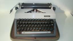 Maquina de escrever marca: Erika ( alemã ) Raridade