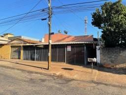 Título do anúncio: casa/apartamento para aluguel 2/4 c/ gar. St.Vila Regina - Goiânia - GO