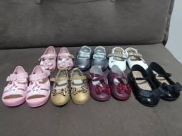Lote 7 pares de sapatinhos por R$50,00