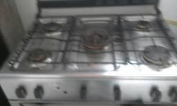 Técnico especialista em fogão.