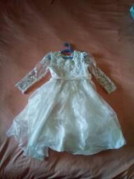 Vende-se vestido infantil