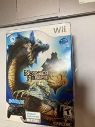 Título do anúncio: Bundle Monster Hunter 3 Tri + Nintendo Wii Classic Controller Pro