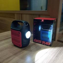 Linda caixa de som pontente, com alça lateral e Lanterna - R$ 80,00