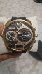 Relógio diesel vende ou troca, valor a negociar!!!