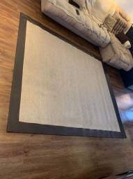 Vendo lindo tapete usado 2,45x2,15m