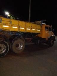 Caminhão caçamba 1519 ano 1984