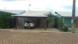 Vendo excelente casa em condomínio na zona sul