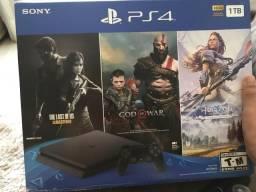 PlayStation 4 Slim 1TB Novo com 6 jogos e Ps Plus Ler Descrição Novo com lacre