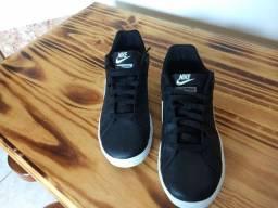 Tênis Nike Court Royale n° 39