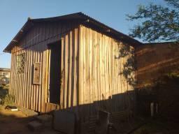 Casa com 2 terrenos pra venda