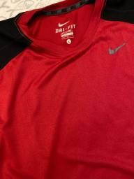 Camisa regata Nyke tamanho L