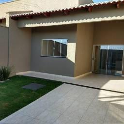 (A3) Linda casa com três quartos e ENTRADA REDUZIDA!!