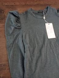 Camiseta de moletom com mangas bufantes