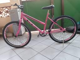 Bicicleta zero sem uso nova.