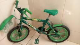 Bicicleta Infantil do Ben10
