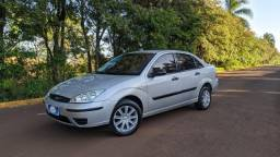 Focus Sedan GL 1.6 8V