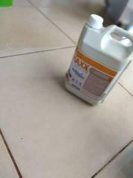 Produtos para limpeza de piso. (Cerâmicas, Porcelanatos e Azulejos).