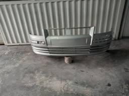 Para-choque dianteiro do Stilo 2002/2007 usado pintado na cor prata bari.