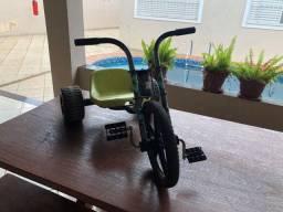 Triciclo bandeirantes BEN10 + patinete USADOS