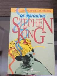 2 Clássicos De Stephen King Os Estranhos E Dissecando Stephen King