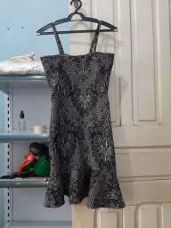 Vendo ou troco dois vestidos