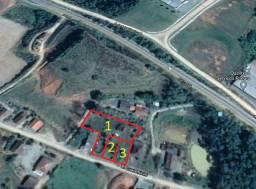 Terrenos de 375 m² bem localizados em área residencial
