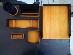 Kit organizador de mesa com base em madeira