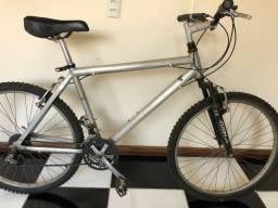 Bicicleta Caloi aro 26 Alumínio/toda shimano