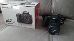 Canon Sl2 + lente 18-55 + cartão de memória de 32 GB