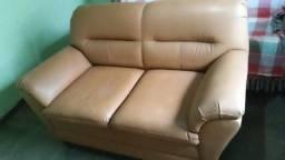 Sofás 2 e 3 lugares extremamente confortáveis em couro bom estado