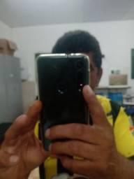 Vendo um smartphone moto g8 macro