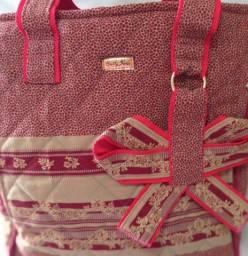 Bolsa em tecido bordado importado