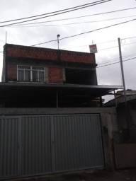 Casa 2°andar 3 quartos saída independente rua dos rubis Rocha Miranda