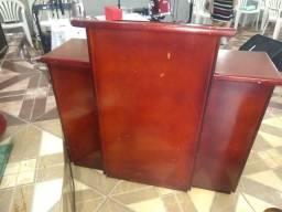 Púlpito de madeira pura semi novo
