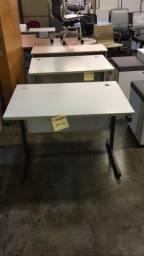 Mesa reta para escritório usada