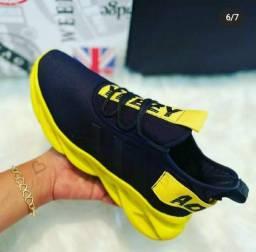 Ténis addidas maverik amarelo com preto!!
