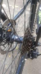 """Bike aro 29 tamanho 19"""" com grupo Shimano alívio de 27 veloc. Freios hidráulicos"""