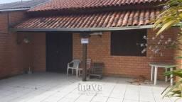 Casa com 03 dormitórios no centro de Imbé