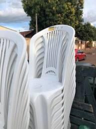 Vendemos 21 cadeiras