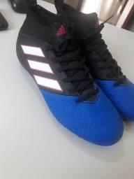 Chuteiras Adidas tamanho 35