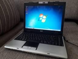 Notebook Acer, 3 GB RAM, Excelente estado.