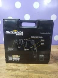 Furadeira de Impacto Britânia BFU01M com Mandril 38 e Maleta - 650W valor 140,00